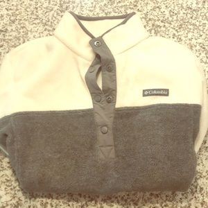 Grey & white Columbia Pullover